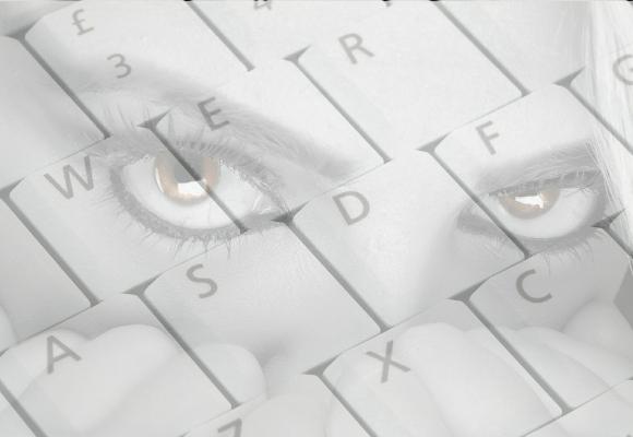 'Stalkear' es espiar compulsivamente a una persona