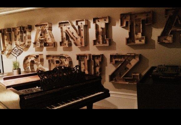 Juanita Cruz, piano
