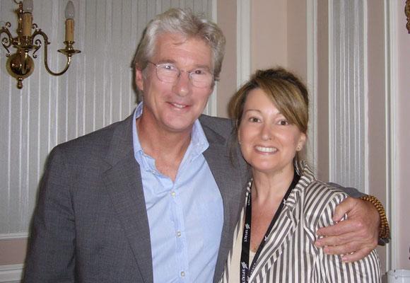 Richard Gere con nuestra colaboradora, Amalia Enríquez.