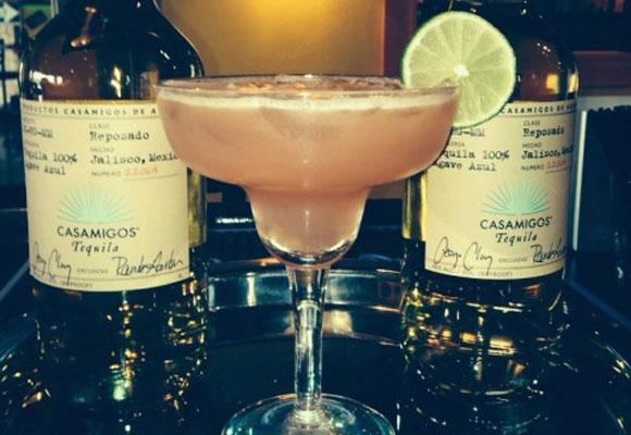 Cóctel Guavarita con tequila 'Casamigos'