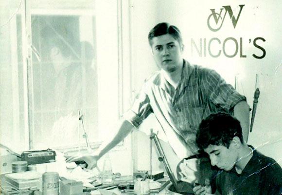 Vicente Nicolás en su taller, 1961. Foto: Nicol´s