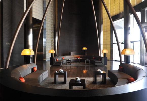 Lobby del hotel Armani de Dubai. Haz clic para reservar