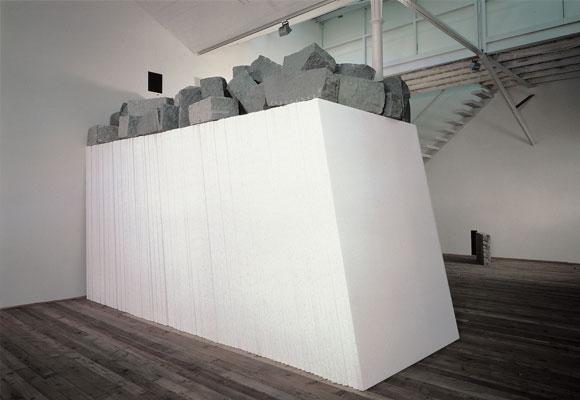 giovanni-anselmo-i-senza-titolo-verso-oltremare-i-1986-coleccion-la-caixa-de-arte-contemporaneo-c-cortesia-de-l-ar