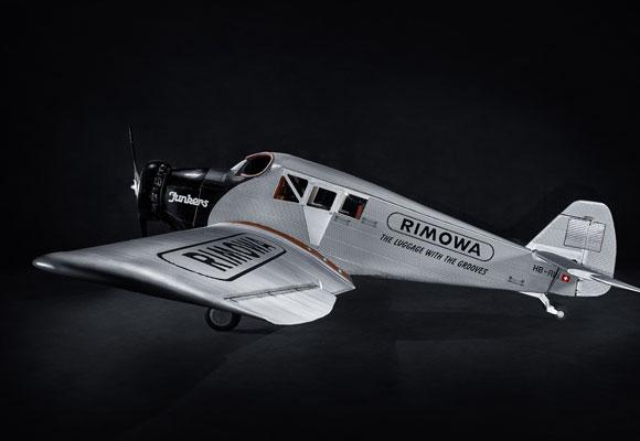 Avión F13 de Rimowa