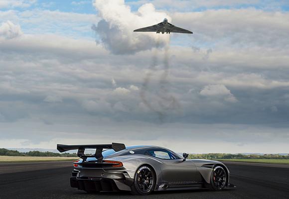 Aston Martin Vulcan Avro Vulcan 3