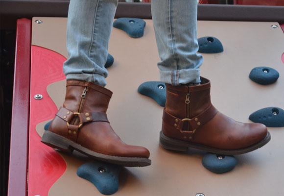 49918aceb94 Boots for winter. (Photo  Gabriela Iam Gum)