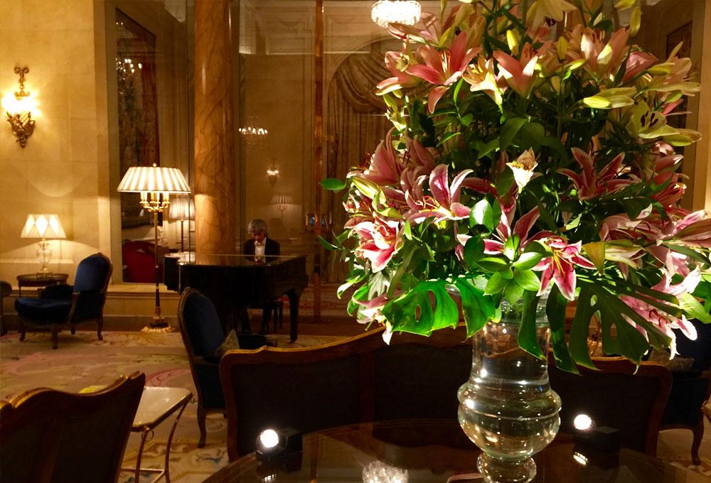 me haban advertido de que los madrileos no sienten un gran inters por las flores cuando sal a explorar la capital en busca de los mejores hoteles