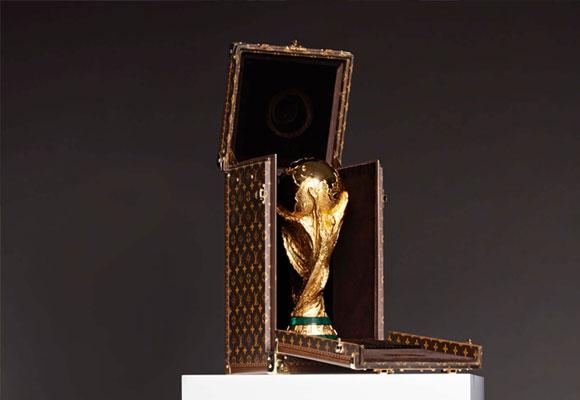 Funda Louis Vuitton para la copa del Mundial de Fútbol de Brasil