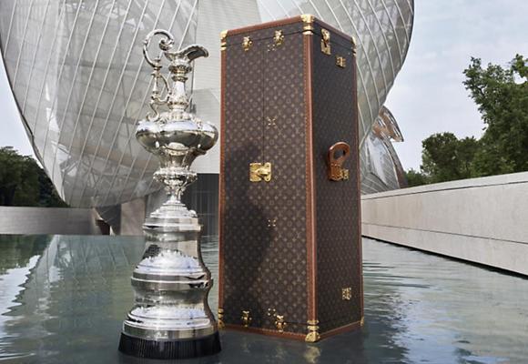 Baúl para el trofeo de la tradicional Copa de América