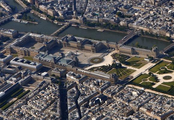 Vista aérea del Louvre
