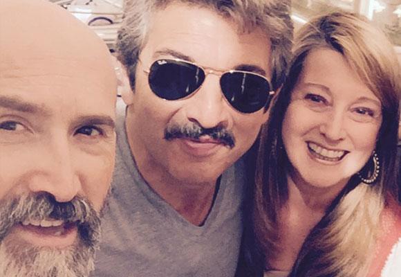 Los dos actores junto a nuestra colaboradora, Amalia Enríquez