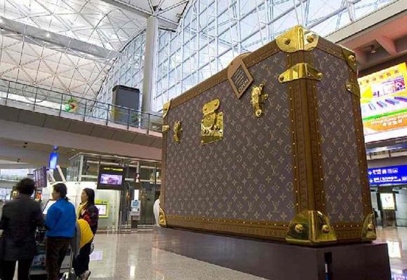 La imagen del lujo de LV en Hong Kong