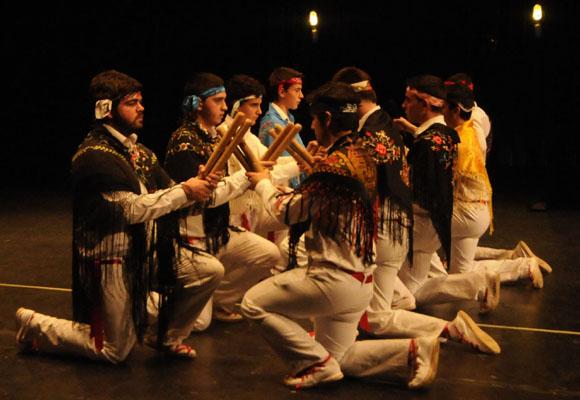 Danzantes de Cerezo de Río Tirón