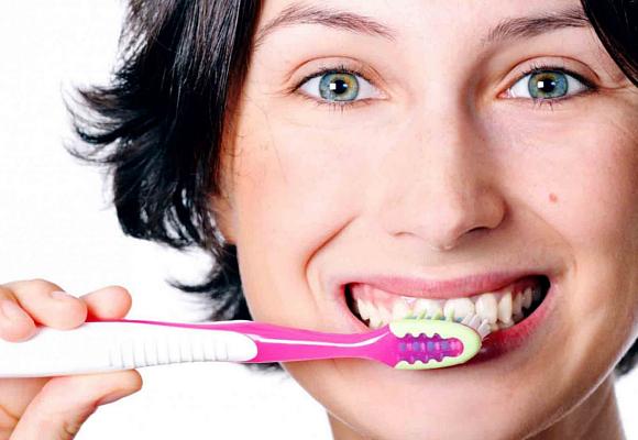 Lávate los dientes con asiduidad