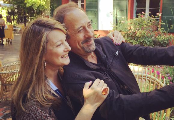 Amalia Enríquez junto al actor Guillermo Francella tras la entrevista