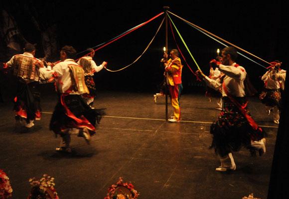 La danza del árbol de Valverde
