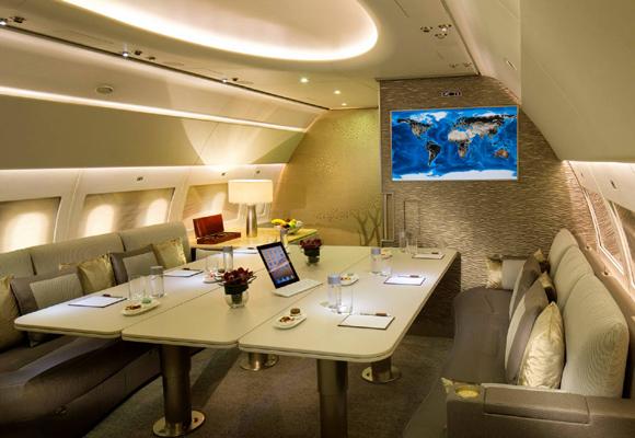 Interior exclusivo del Emirates Luxury Jet