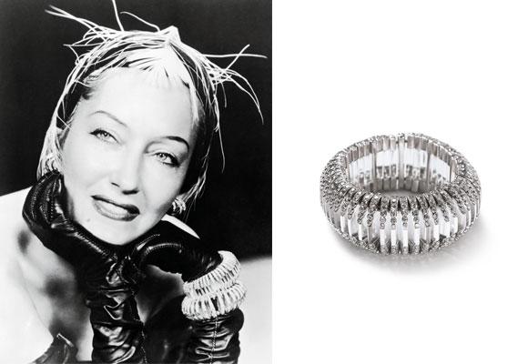 Gloria Swanson lució un maravilloso brazalete Cartier adelantado a los gustos de la época