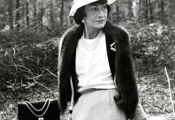 Coco Chanel con el icónico 2.55