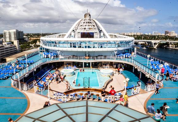 Lujo y exclusividad para unas verdaderas 'vacaciones en el mar'