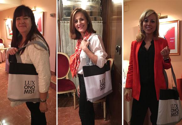 Patricia García, Yolanda Regodón y Ana Villarrubia lucen encantadas nuestra LuxoBag