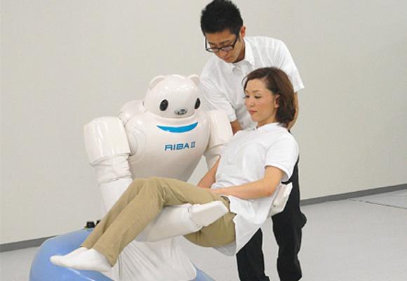 Robear es un robot que ayuda al movimiento de ancianos o enfermos