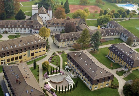 Le Rosay es conocido como el colegio de los Reyes