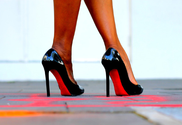En moda, lo más buscado ha sido cómo andar con tacones y no morir en el intento