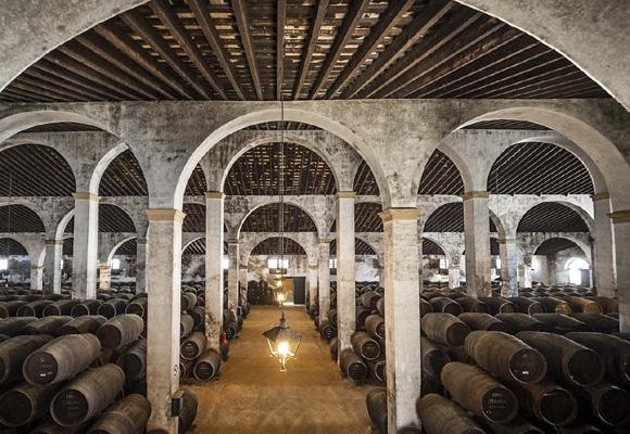 Los vinos de Jerez son la base del vermut Lustau