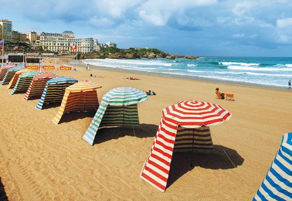 Biarritz es una de las perlas del Sur de Francia. Descúbrelo reservando aquí