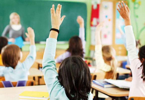 Niños en un aula clase