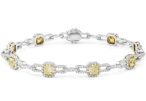 París inspira esta colección con diamantes amarillos. Compra aquí