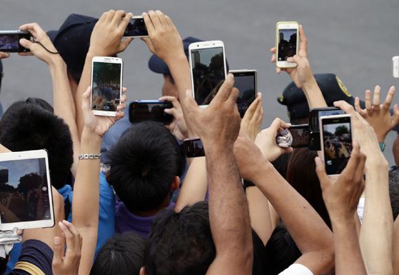 ¿Qué harían nuestros jóvenes hoy sin el móvil?
