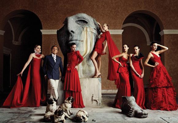 Valentino triunfa en Twitter y rodeado de celebrities