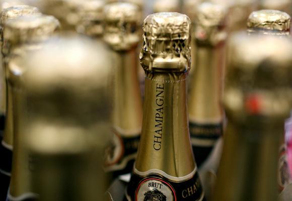 El champagne viaja por el mundo y muchos siguen el método tradicional