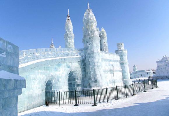 El espectacular desfile de hielo en la ciudad de Harbin