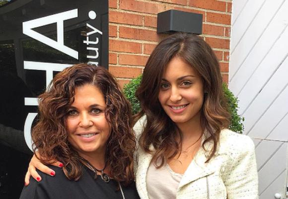 Hiba Abouk también suele acudir a Natalia para ponerse (más) guapa