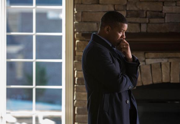 Will Smith se enfrenta a la NFL en la ficción con la cinta 'La verdad duele'