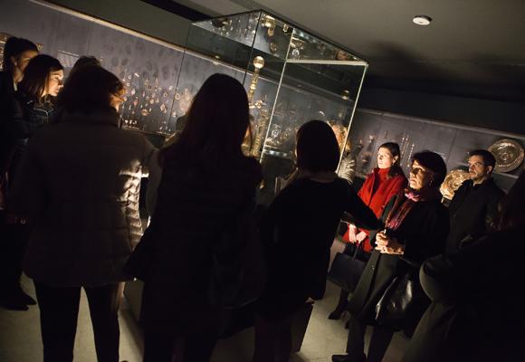 Durante la jornada, paseamos por el museo y escuchamos a expertos en arte