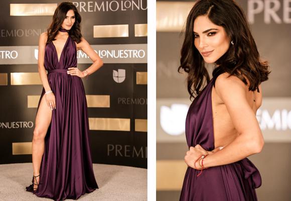 Alejandra Espinoza con un espectacular vestino con aberturas en piernas, espalda y escote
