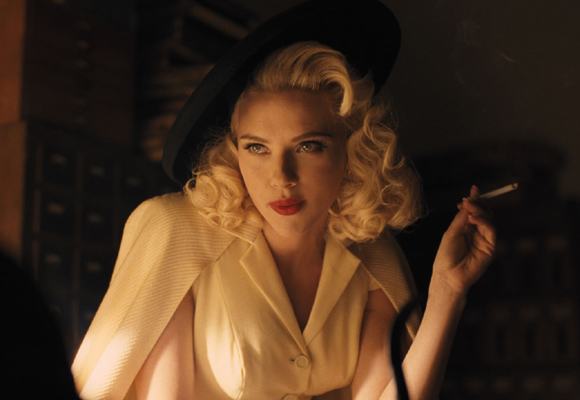 Scarlett Johansson convertida en diva de los años 50 en la cinta