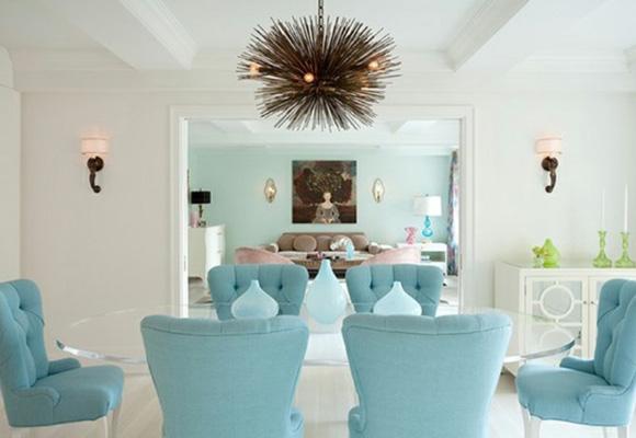 El azul serenidad es uno de los tonos de moda que proporcionará tranquilidad a tu hogar