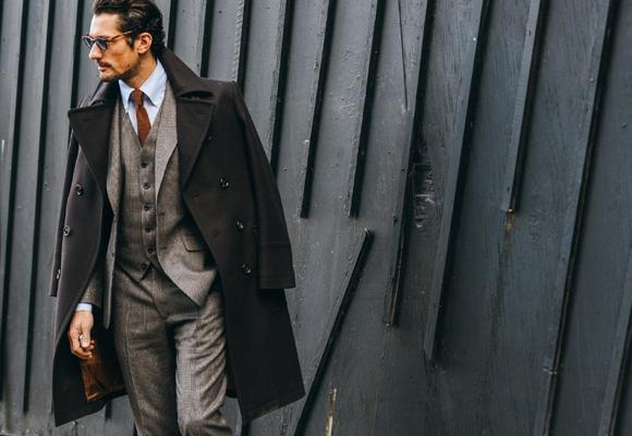 David Gandy o como ser el invitado perfecto con un traje diferente