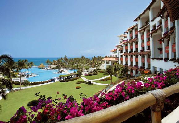 Velas Resort en Vallarta. Reserva aquí