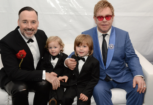 Elton John, el gran defensor de los vientres subrogados frente a las polémicas