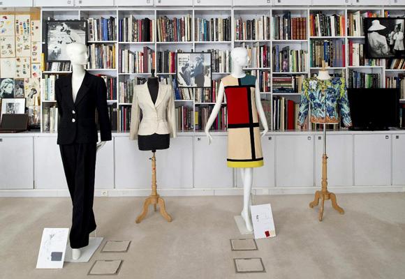 Los museos acogerán prendas y recuerdos del mítico diseñador