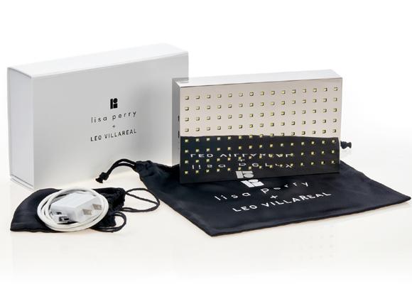 Scintillator, el bolso con luces LED de Lisa Perry