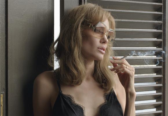 Angelina dirige también 'Frente al mar'