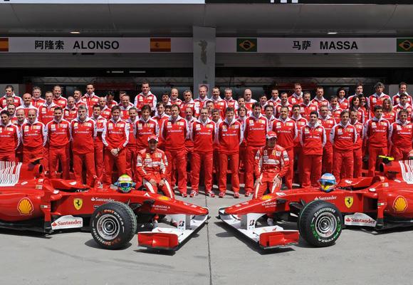 Equipos y coche se someten a una preparación espectacular para cada carrera