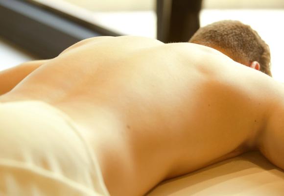 Un masaje exfoliante para una piel radiante